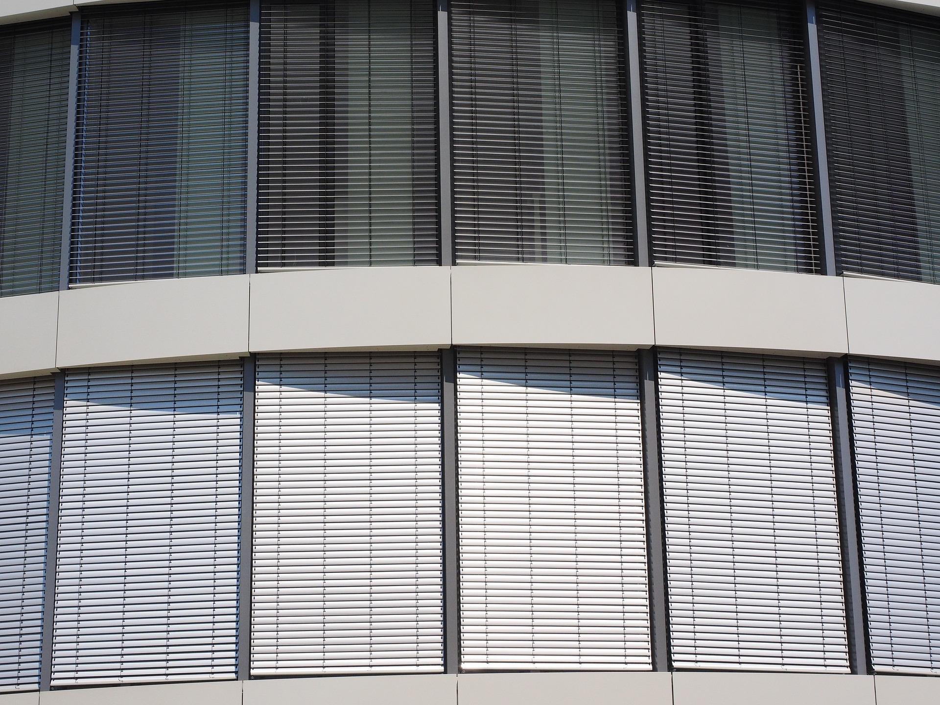 window-2524143_1920